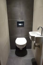 Meer dan 1000 idee n over kleine toiletruimte op pinterest - Accessoires toilettes design ...