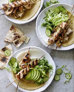 Chicken Tawook Quinoa Bowls - What's Gaby Cooking Healthy Dinner Recipes, Healthy Snacks, Healthy Eating, Healthy Dinners, Sunday Recipes, Weeknight Meals, Diet Recipes, Clean Eating, Bratwurst