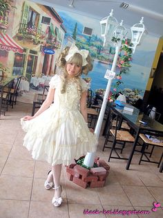 Lets pretend Im your doll (by Sharon Le) An outfit I wore to my sis birthday ^^~ Not too sure if Im suitable for shiro-lolita =A=