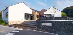 The primary school delivered by Holmes Miller promotes a distinctive and contemporary design solution based upon an understanding of South Ayrshire's rural character.