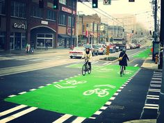 Seattle Department of Transportation:Broadway Protected Bike Lane —Comfortable Protected Bike Lanes