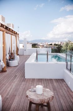 Inspiration deco outdoor: A mini pool for my terrace. Small pool / Terrace pool / Via Lejardindeclaire. Rooftop Pool Source by Small Above Ground Pool, Above Ground Swimming Pools, In Ground Pools, Oberirdischer Pool, Rooftop Pool, Outdoor Pool, Pool Backyard, Rooftop Design, Rooftop Decor