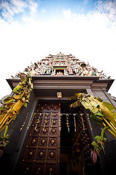 Hindu Temple, Singapore visit us @ http://travel-buff.com/