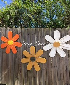 Mother's Day gifts Large wooden flowers Gifts for mom, gifts for her Large wood daisy Yard decorations.