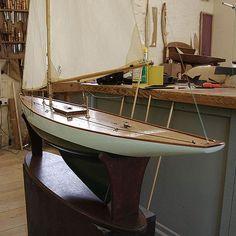 Pond Yachts maker of fine free sailing . Model Sailing Ships, Model Ships, Model Sailboats, Urban Design Concept, Sailboat Plans, Wood Boats, Boat Dock, Ship Art, Model Building
