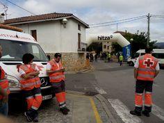 Voluntarios/as de Cruz Roja Bermeo cubriendo Campeonato Cadetes en Busturia.