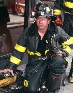 American Firefighter, Firefighter Pictures, Working Men, Wildland Firefighter, Fire Fighters, Firemen, Firefighting, Fire Department, Dream Job