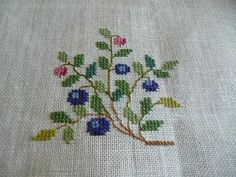 Fremme Easy Cross Stitch Patterns, Simple Cross Stitch, Christmas Cross, Needlework, Sewing Projects, Embroidery, Floral, Crafts, Cross Stitch Embroidery