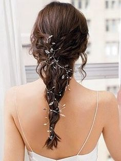 half updo bride hairstyle with flower clips