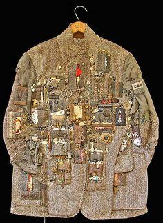 Hunting Jacket (Treasure) Hunting Jacket by Diane Savona. Awesome(Treasure) Hunting Jacket by Diane Savona. Costume Ethnique, Hunting Jackets, Boro, Fabric Manipulation, Textile Artists, Mode Inspiration, Mode Style, Fabric Art, Refashion