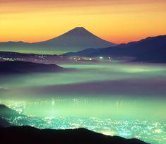 by Akira Tsutsui Beautiful Nature Pictures, Beautiful World, Beautiful Scenery, Landscape Photography, Nature Photography, Fuji Mountain, Mont Fuji, Japanese Landscape, Japan Photo