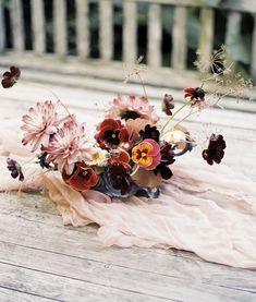 Floral Centerpieces, Wedding Centerpieces, Wedding Bouquets, Floral Arrangements, Ikebana, Floral Wedding, Wedding Flowers, Wedding Flower Inspiration, Fall Flowers