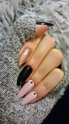 Pretty and simple nail design. Winter Nails, Spring Nails, Summer Nails, Nail Designs Spring, Gel Nail Designs, Nail Piercing, Nail Tattoo, Acrylic Nail Art, Nails Inspiration