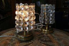 Antike Tischlampen (  Nachttischlampen ) aus Bleikristall Messing und Kupfer | eBay Messing, Chandelier, Ceiling Lights, Lighting, Ebay, Home Decor, Antique Table Lamps, Copper, Crystals