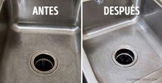 El amoníaco combate bien el sarro en el lavatrastos. Agrega al agua un poco de amoníaco, aplica la solución a la superficie y enjuaga con agua caliente luego de 10 minutos.