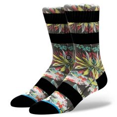 Kamea | Stance's Kamea is the perfect sock for all day trips. While its psychedelic art burns retinas, the Kamea's premium combed cotton pampers feet. For enhanced comfort and durability, the sock sports a reinforced heel and toe, as well as a deep heel pocket. No matter where your trips take you, the Kamea has got you covered.