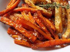 Očištěnou mrkev a celer nakrájíme na větší hranolky. Dáme vařit osolenou vodu a do vroucí vhodíme mrkev i celer. Přidáme pár kapek z citronu a...