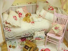 Yummy, little, shabby room <3