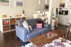 A Studio Apartment Uses Space Wisely This grad student decorated her small studio ap Student Apartment Decor, Apartment Desk, Apartment Decorating On A Budget, Small Apartment Living, Apartment Therapy, Living Spaces, Austin Apartment, Apartment Layout, Apartment Interior