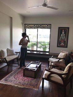 31 New Ideas For Living Room Furniture Arrangement Ideas Window Sofa Tables - Ligy Kutappan - Indian Living Rooms India Home Decor, Ethnic Home Decor, Living Room Furniture Arrangement, Home Decor Furniture, Furniture Ideas, Indian Home Interior, Home Interior Design, Interior Ideas, Living Room Seating