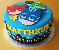 Themed birthday party for heroes in pajamas - Celebrat : Home of Celebration, Events to Celebrate, Wishes, Gifts ideas and more ! Pj Masks Birthday Cake, 4th Birthday Cakes, Boy Birthday Parties, Birthday Ideas, Torta Pj Mask, Pjmask Party, Party Ideas, Festa Pj Masks, Cute Cakes
