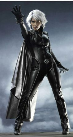 X-men X-man 3 Storm Halle Berry Pleather jumpsuit Costume with matching Gloves just like it in the movies,Made of high quality pleather, Made in daily use standard, all pockets are functionable.Greatr for Halloween parties and X-men cosplay. Halle Berry Storm, Marvel Dc, Marvel Comics, Marvel Girls, Nicholas Hoult, Comic Book Characters, Comic Books, Superhero Characters, Strong Women