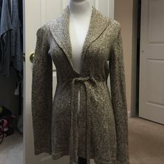 Motherhood Maternity Sweater Sz Small This is a maternity sweater but I am not pregnant and just wore the other day! It's super comfy and doesn't have to be maternity. It's tan and cream. Has a hook and eye closure as well as a tie. Motherhood Maternity Sweaters Cardigans