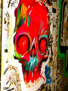 skull grafiti art in Barcelona