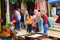 Foreigners are shopping at Surajkund Mela Stalls, Shopping