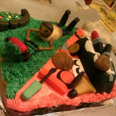 Cupcake cake. Fondant make-up cake & lawn mower cake.