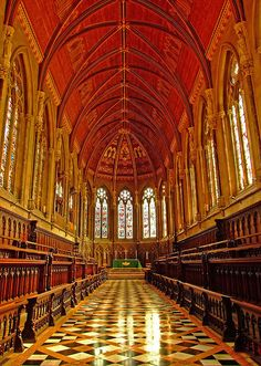 """St John's College Chapel, Cambridge - UK - St John's College is a constituent college of the University of Cambridge. The college's alumni include 9 Nobel Prize winners, 6 Prime Ministers, 3 archbishops, at least two princes, & 3 Saints. The full formal name of the college is """"The Master, Fellows and Scholars of the College of St John the Evangelist in the University of Cambridge"""".The college was founded by Lady Margaret Beaufort."""