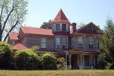 50 Homes That Look Like Haunted Houses