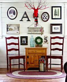 winter themed gallery wall decor ideas, home decor, seasonal holiday decor, wall decor - Living room and Decorating Rustic Gallery Wall, Gallery Walls, White Plank Walls, Picture Shelves, Lodge Style, Rustic Christmas, Christmas Decor, Christmas Room, Christmas Things