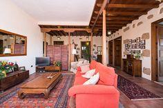 Schau Dir dieses großartige Inserat bei Airbnb an: Restored traditional farmhouse+pool - Häuser zur Miete in Telde