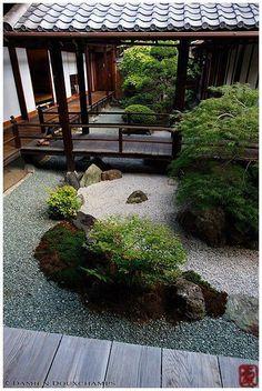 33 Calm and Peaceful Zen Garden Designs to Embrace #zengardens