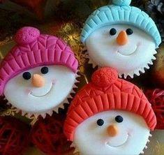 Christmas Cupcake Toppers, Christmas Cupcakes Decoration, Christmas Cake Designs, Christmas Cake Pops, Christmas Desserts, Christmas Baking, Christmas Cookies, Fondant Cookies, Fun Cookies