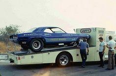 Funny Car on car hauler Funny Car Drag Racing, Nhra Drag Racing, Funny Cars, Toy Hauler Trailers, Car Carrier, Vintage Race Car, Drag Cars, Toy Trucks, Vintage Humor