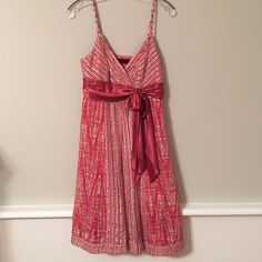 BCBG Dress BCBG coral dress with beautiful satin bow and adjustable straps. EUC. BCBGMaxAzria Dresses