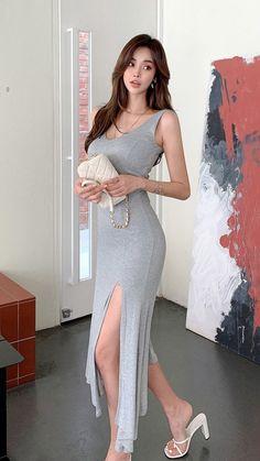 Cute Japanese Girl, Korean Model, Beautiful Asian Women, Asian Woman, Korean Fashion, Nice Dresses, V Neck, Clothes For Women, Formal