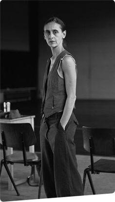 Anne Teresa de Keersmaeker - My Favourite choreographer - JM Yoji Yamamoto, Pina Bausch, Burlesque, Great Women, Amazing Women, Peter Lindbergh, Photographs Of People, Ballet Beautiful, Theater