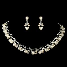 Jewelry Stores, Jewelry Sets, Pearl White, Wedding Accessories, Wedding Jewelry, Pearl Necklace, Fashion Jewelry, Pearls, Band