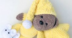 Pajamas teddy bear will bring sweet dreams to any child. This free crochet pattern is easy to make amigurumi toy. You will need plush yarn and 4 mm crochet hook. Teddy Bear Patterns Free, Crochet Bear Patterns, Crochet Bunny, Cute Crochet, Amigurumi Patterns, Amigurumi Minta, Crochet Birds, Crochet Animals, Crochet Snowman