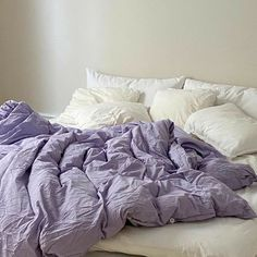 "amarys on Twitter: ""pink & lilac… "" Couch Potato, Living Room Decor, Bedroom Decor, Wall Decor, Bedroom Rustic, Tv Decor, Bedroom Office, Uni Room, Gothic Home Decor"