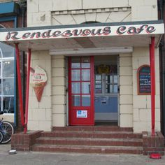 Retro Rendezvous Cafe at Whitley Bay