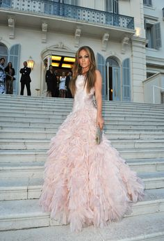 Jennifer Lopez wearing a pink Roberto Cavalli dress, at a reception at the Hotel du Cap Eden-Roc in Antibes (May 2010)