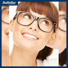 #HairTips Se portate occhiali da vista grandi è bene scegliere un'acconciatura con frangetta, ma anche tagli cortissimi, un po' da maschiaccio! #capelli #hair #hairstyle #acconciatura #frangia #look #babyliss #capellicorti