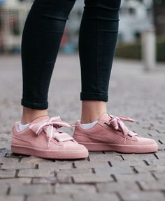 €99,99 - PUMA SUEDE HEART SATIN pink sneakers