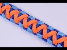 How to Make A Survival Paracord Bracelet - Soloman V Bar - BoredParacord - YouTube