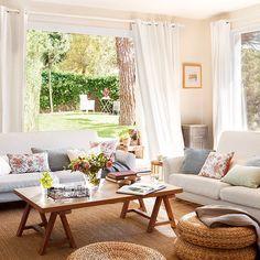 """653 Me gusta, 15 comentarios - El Mueble (@el_mueble) en Instagram: """"¡Buenos días! ☀️Blanco, azul, fibras naturales y estampados de flores dan personalidad a esta casa…"""""""