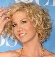 short wavy hairstyles for women over 40 oval face - Bing Images